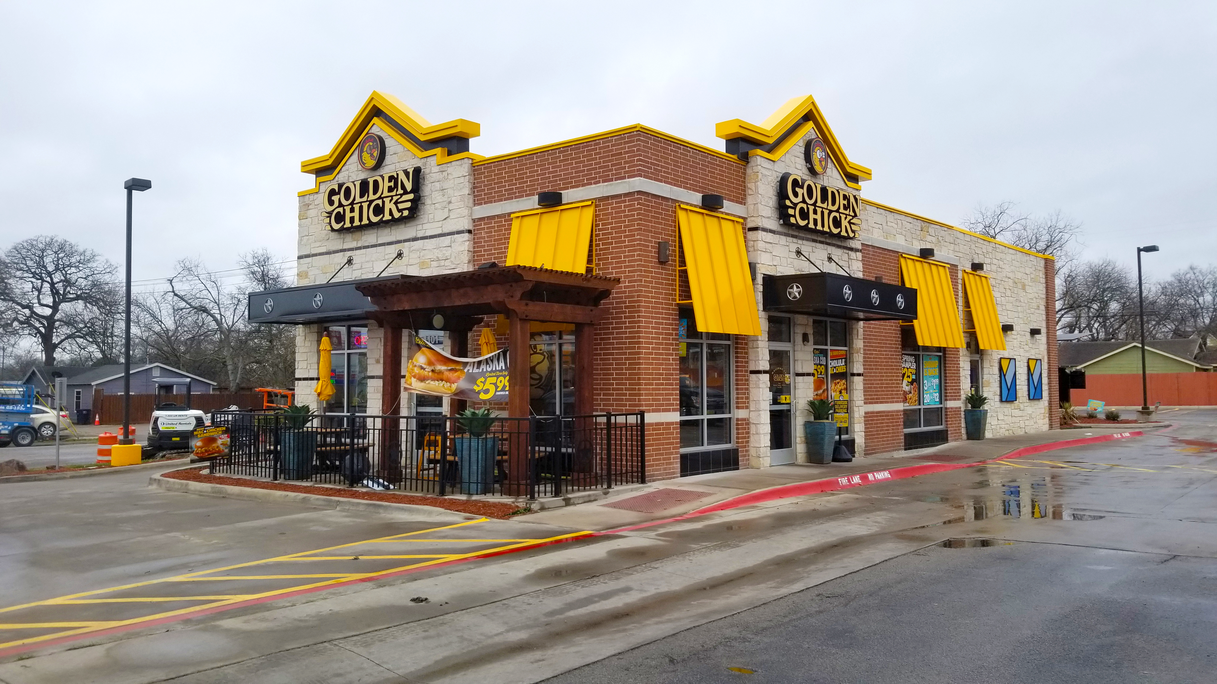 Golden Chick storefront.  Your local Golden Chick fast food restaurant in Weatherford, Texas