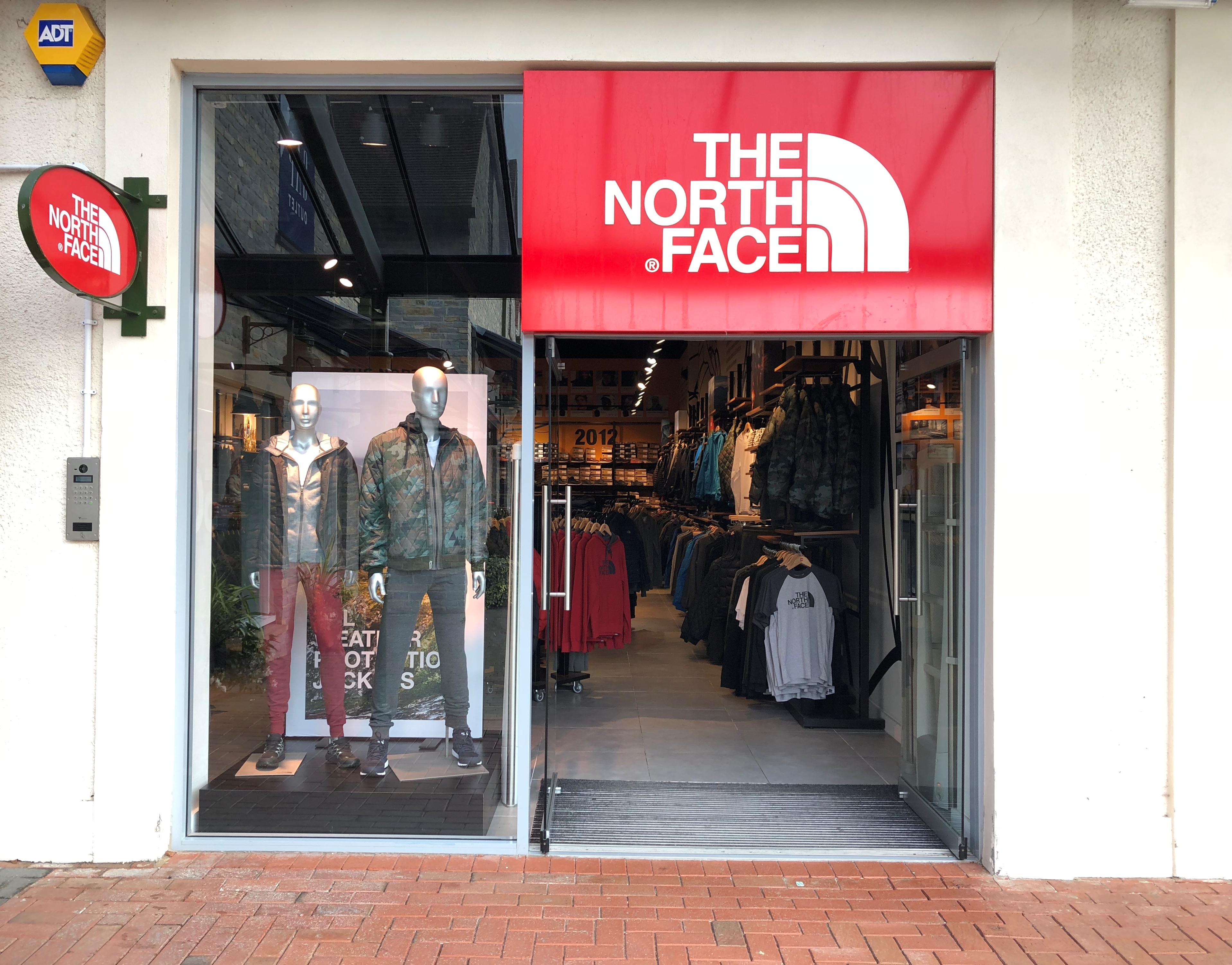 reputable site 5d861 3b667 The North Face® Store at Farm Road Street, Somerset, BA16 ...