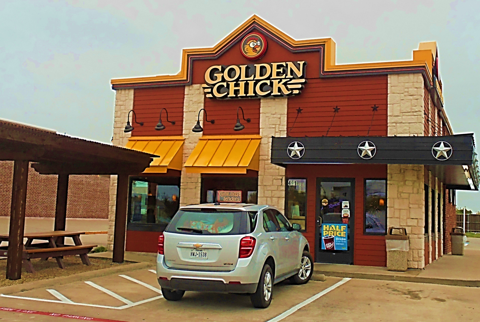 Golden Chick storefront.  Your local Golden Chick fast food restaurant in Princeton, Texas